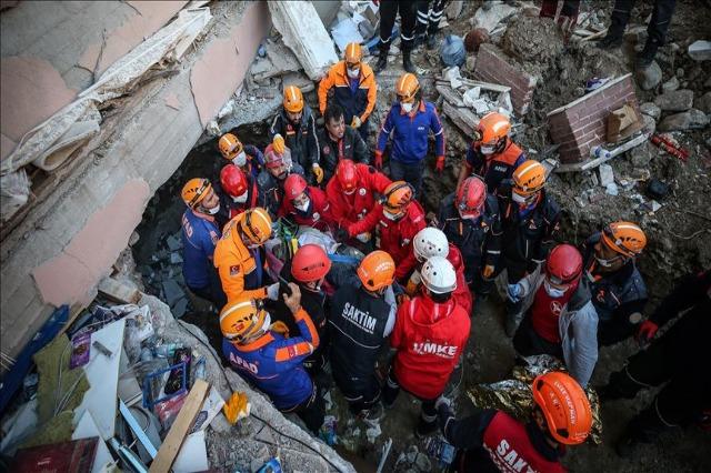 Turqi, vazhdojnë operacionet e kërkim shpëtimit pas tërmetit të së premtes