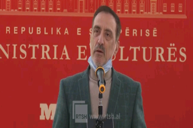 "Rudolf Marku shpallet ""Poeti laureat"" shqiptar"