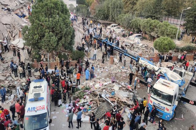 Turqi, arrin në 25 numri i viktimave, në zonën e dëmtuar mbërrijnë ndihmat