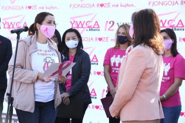 Ministrja e Shëndetësisë apel grave: Mos neglizhoni shëndetin, kryeni mamografinë, është falas