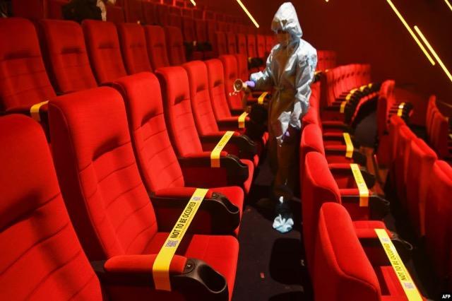 Mbyllen përkohësisht kinematë e rrjetit të dytë më të madh në SHBA