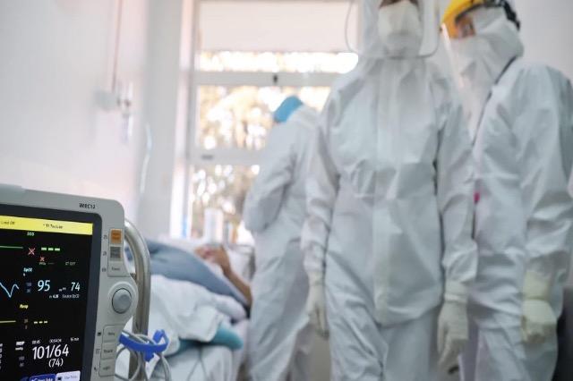 """Shtimi i infektimeve, hapet të hënën spitali """"Covid 3"""" në Tiranë"""