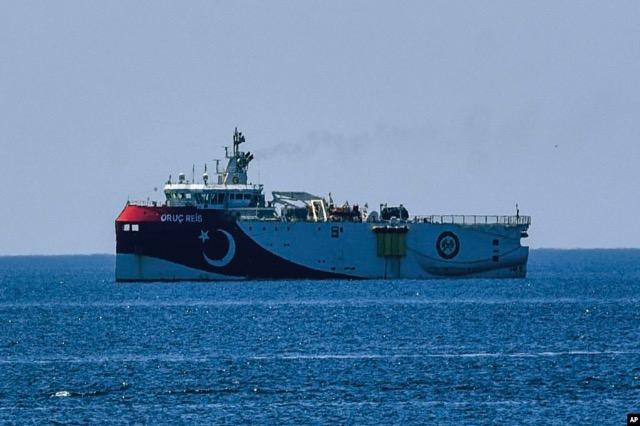 Turqia shtrin kërkimet në Mesdheun lindor, reagon Greqia