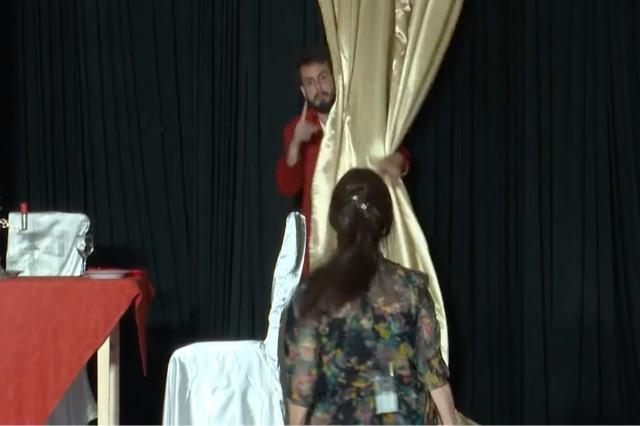 """Komedia """"Testamenti i ri"""", shfaqja e parë teatrale në pandeminë e covid-19"""