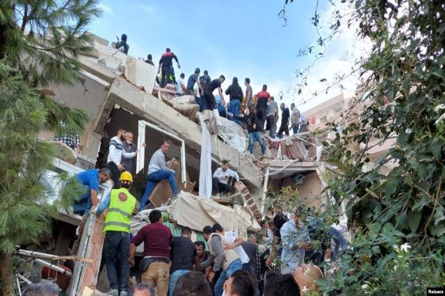 Tërmeti vdekjeprurës ngroh marrëdhëniet mes Greqisë dhe Turqisë